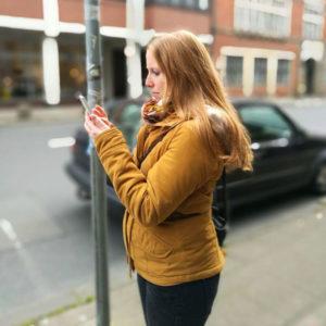 Anna beim Fotografieren